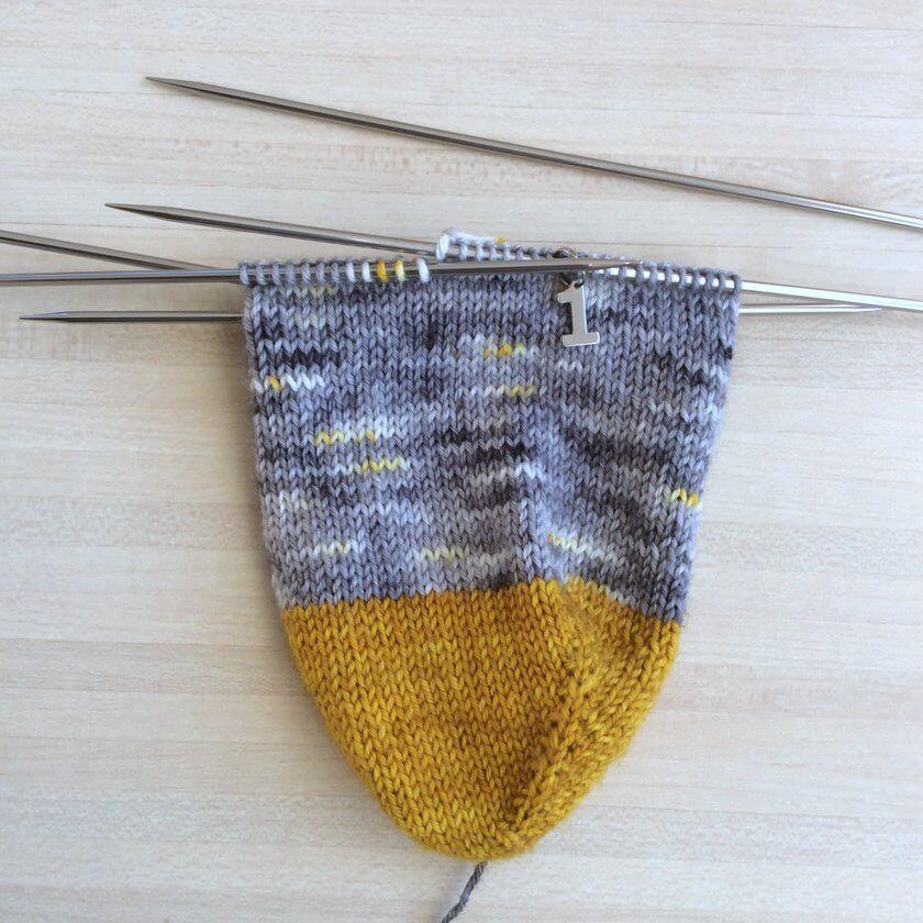 anneaux marqueurs pour chaussettes aiguille 1