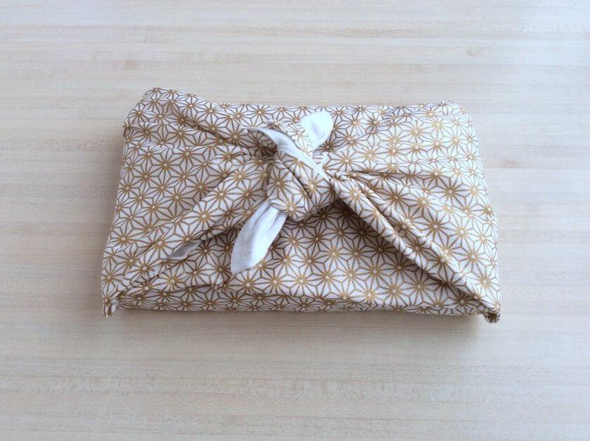 Emaballer ses cadeaux de Noël avec un furoshiki