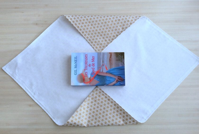 livre roman les tricoteuses du bord de mer