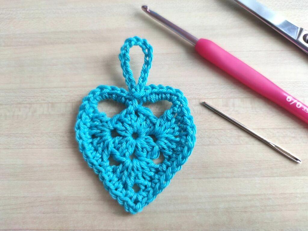 coeur au crochet explications