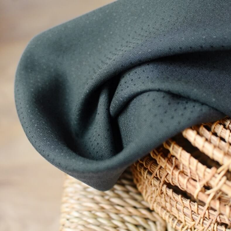 tissu dobby smokey, viscose plumetis atelier brunette