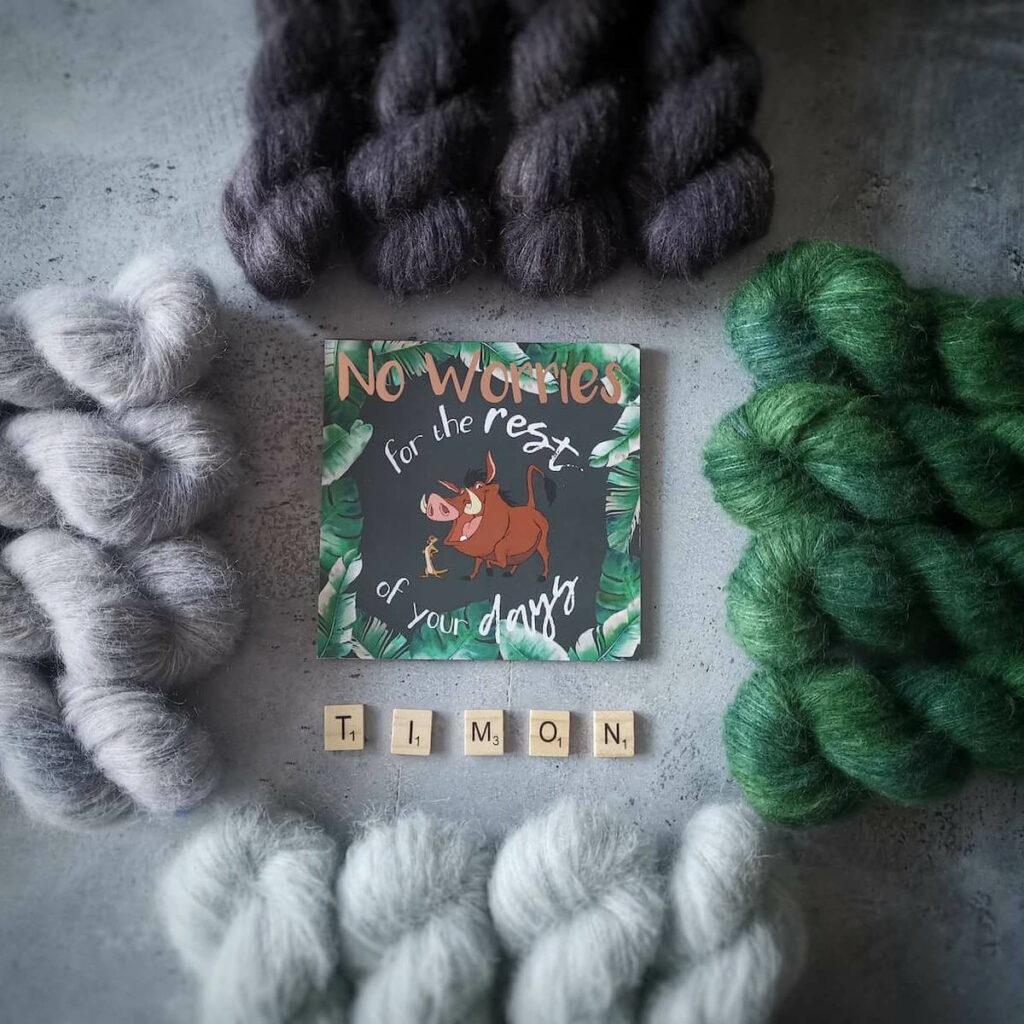 Laine teinte à la main Arco Iris Yarns Timon - écheveaux de laine très doux