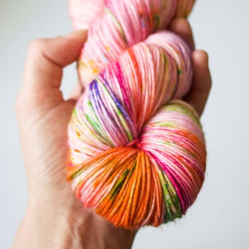 écheveau de laine teint à la main