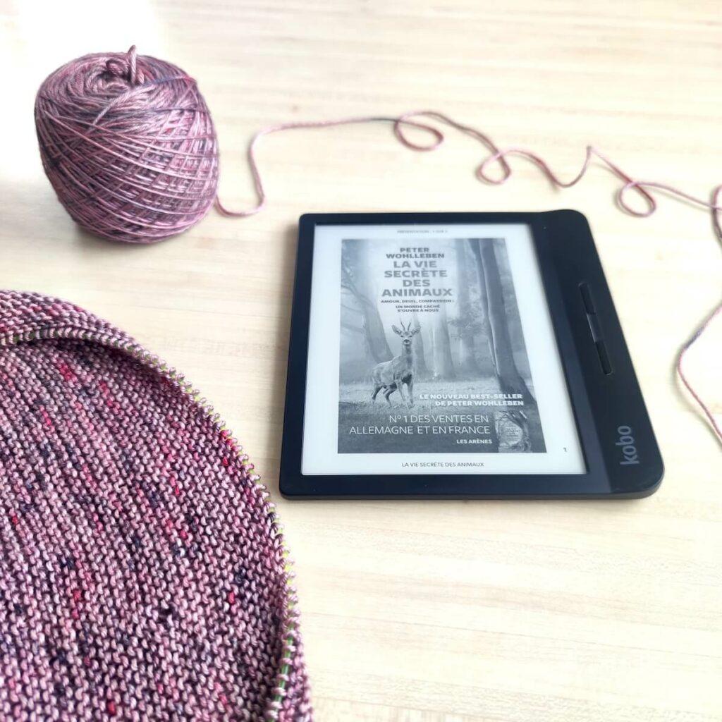 la vie secrète des arbres, lire et tricoter en même temps grâce à une liseuse Kobo de la Fnac